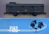 2achsiger Gepäckwagen Pwi 32, DR, grün